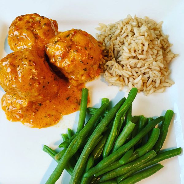 chicken-tikka-meatballs-with-rice